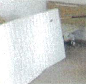 気付きにくいベッドやマットレスに染み付いたニオイに、消臭抗菌液を噴霧します